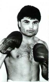 Julio Cesar Vasquez boxer