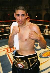 Jose Armando Santa Cruz boxer