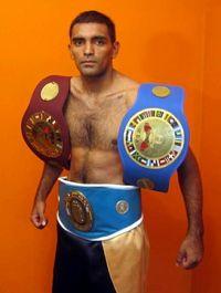Javier Alberto Mamani boxer