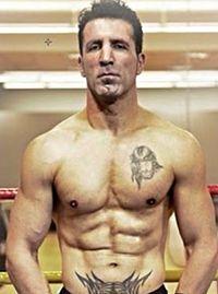 Jose Manuel Berdonce boxer