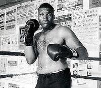 Reggie Gross boxer