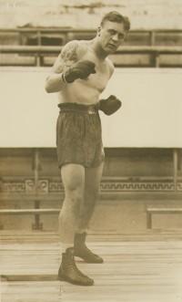 Mickey Makar boxer